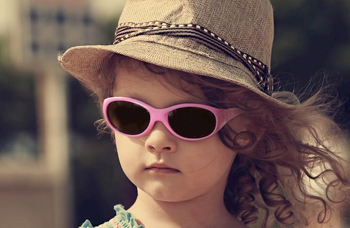 عینک آفتابی مناسب برای کودکان